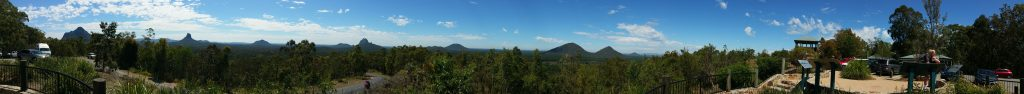 glasshouse-mountains-panorama