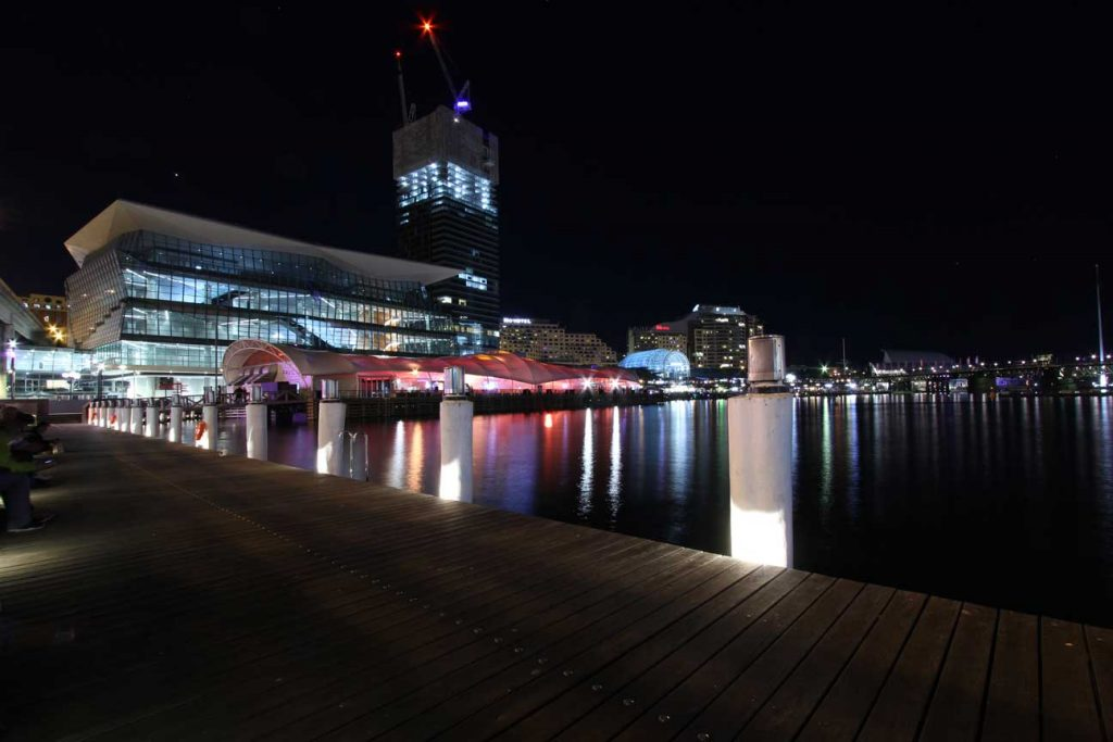 darling-harbour-bei-nacht