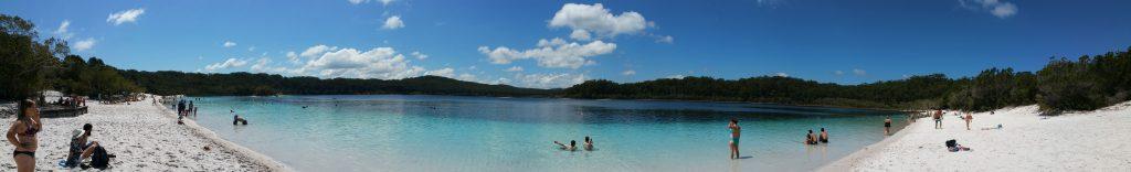 lake-mckenzie-panorama